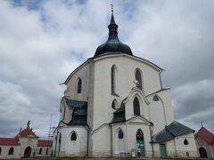工事個所が見えない方向の聖ネポムツキー巡礼聖堂です