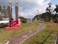 因島の大浜SAで小休止。 因島大橋の鋼鉄部材模型もありました。