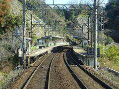 榊原温泉口駅。一部の特急電車も停まる駅。 複線化に際して、線路が大幅に切り替わったのはここまで。