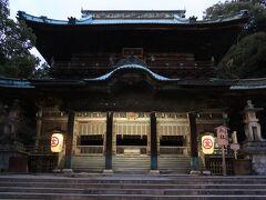 628段目に鎮座する旭社。華麗な装飾がなされており、森の石松が本堂と間違えたと伝わります。