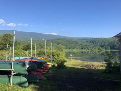 2日目朝、雨があがったので周辺を散策。 キャンプ場前のバラギ湖。