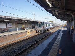 ●JR信太山駅  さて、駅に戻ってきました。 ランチに向かうことにします。