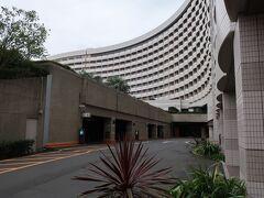 「シェラトン・グランデ・トーキョーベイ・ホテル」に到着!。  駐車場はチェックアウト日も丸々無料なプランです。2日間無料はいいですよねー。