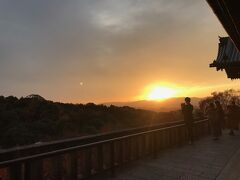 ここまで登ってきたご褒美みたいな美しい夕焼け(^ω^)イイネイイネー