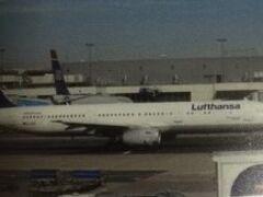 10月2日 中部国際空港  ルフトハンザ空港LH737便にてドイツ、フランクフルトへ。
