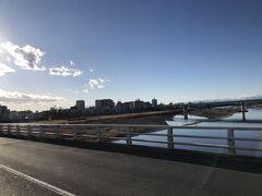 多摩川を越えて