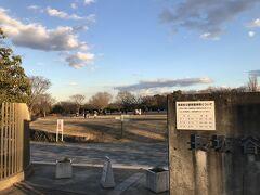 中原街道沿いにある長坂谷公園ではポツポツ家族連れの姿も。いやあ、この辺りでアップダウンにかなり足がきつくなっていて……、ヘロヘロ状態に