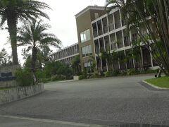 16時頃ホテルに到着 今回の宿泊ホテルはベストウェスタン沖縄恩納ビーチさん ビーチ直結でリーズナブルな価格 恩納村の繁華街から少し離れています 真栄田岬が近いです5分くらい