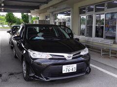 今回利用したのは フジレンタカーさんです 沖縄本島ってレンタカー屋さんが すごくいっぱいありますが 良く確認しないと 送迎バスで30分くらい目的地から逆方向に行く事もあるので レンタカー予約する時は 営業所の場所も確認した方が良いです フジレンタカーさんは空港からも近くて返却も楽だと思います。 今回はカローラを2台借りました。