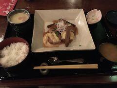 夕食はレストラン櫻を予約しておきました。 本日の魚料理はぶり大根でした。