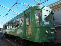 豪徳寺を後にし、宮坂区民センターに立ち寄り。ここには「江ノ電601号」の車両が展示されています。これは大正14年に製造され昭和44年まで渋谷~二子玉川・下高井戸間を走り、その後江ノ電に譲渡され主力電車として活躍したもの。