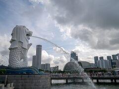 シンガポールと言えば、のマーライオンさん。 今日も勢いよく水を吐いていてGOOD! 何回目のシンガポールでも、ここには立ち寄りたい。  あー、あの橋の上で、園子たち絡まれてたなぁ。(inコナン映画)