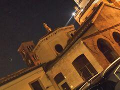 気を取り直して夜の散歩に。  サンタプデンツィアーナ教会。  ローマでもかなり歴史の古い教会です。ローマ最古と言われています。