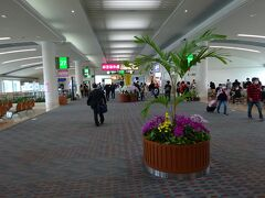 那覇空港のコンコースです
