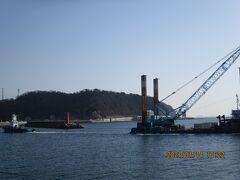 豊浜56釣り桟橋47.橋脚の5つ目半ば。木曜9時半から13時半まで大潮。満潮7時。ボーズ4回目。