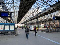 30分ほどでヘルシンキ中央駅に到着