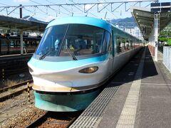 普通電車が少ないため、特急くろしおに乗って、串本まで行きます。このときは、初乗車となる283系オーシャンアローの車両がやってきました。