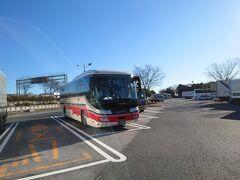 ★9:00 川越的場から高速バスの上田行きに乗車し、一気に移動します。このバスの乗車率は私のほかに女性一人のみで超ガラガラでしたが1本前の軽井沢行きのバスは何と満員だったそう…(現状私がとる対策においては、 乗車予定の列車やバスが相席になるような状況だった場合には、キャンセルするルールにしています。)