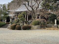 鹿島神社の隣にある青柳寺。結構立派です。