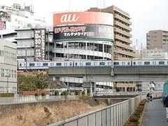 ほどなく町田駅に到着。小田急線が入線するタイミングでパチリ