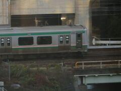 11月7日土曜日。 ANAホリデイイン仙台で迎えた朝。 お部屋の窓からは電車が見えました。