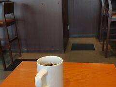 ★15:20 市街地を歩き、上田駅に到着。この時点ですでに家を出てから2万歩以上歩き、足に痛みが…駅前のタリーズが空いてたので入店し、コーヒーブレイクっと。