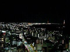 仙台市内・・SS30なるビルの展望台へ・・テレビ塔がライトアップされていました 3本のテレビ塔・・それぞれ局が違うみたいですね・・