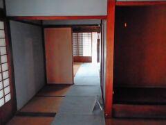 国内唯一の現存する関所。近くにある旅籠紀伊国屋と合わせて入館料は500円です。