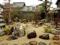続いて、旅籠紀伊国屋へ行きました。この写真は、紀伊国屋の庭です。