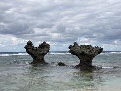 嵐のCMで有名なハートの岩を見に古宇利島へ。