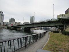 10:45 「佃大橋」 この下には有楽町線も通っています。 昭和39年竣功。