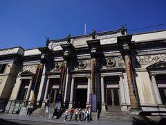 再び王立美術館へやってきました。本日は無料ではないので入場料8ユーロを支払って入場しました。