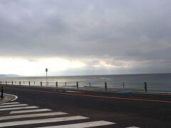 ちょっと曇っているけれど、やっぱり海の見える風景は気持ち良い~~!