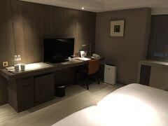 ホテルの部屋内です。