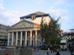 モネ劇場 La Monnaie De Munt  まだ夏休み中。