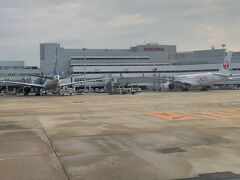 福岡空港に到着いたしました。写真は国内線ターミナルです。