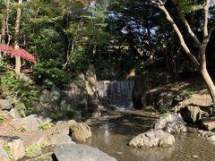 ようやく完成した白糸の滝です。