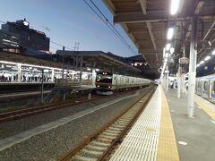 1,東京支社 駅員扱い駅(駅員がベルを扱う駅) 現在なし 東京支社はユニペックスという会社が作った曲が多めに採用されています。 また、最初にその土地にちなんだご当地メロディーが導入されたのも東京支社の蒲田駅になります。(今は水道橋、蒲田、赤羽、高田馬場などがご当地です。) 総武線を除くと余韻までは案外鳴ってる印象です。