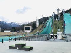 新潟をあとにし、長野県は白馬に来ました。 ここは、オリンピック会場になったスキージャンプ台。