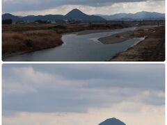目を引く山は「三上山」で別名「近江富士」と言われる山。 何度も見ているけれどなかなかいい写真が撮れなかったけど 今回はいい感じに撮れたかな(´▽`*) 標高432mの山です。