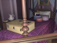 ピーターパンズフライトのQラインには、物語に出てくる子供部屋が再現されていました!