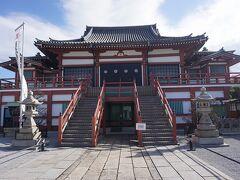 ●妙国寺  境内へ入る入口を間違えたせいか、警報音を出してしまいました。 誰も来ることなかったですが、恥ずかしかったです。 本堂です。