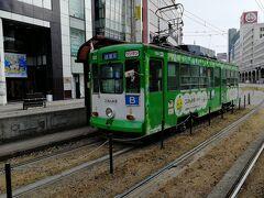 辛島町~通町筋まで熊本市電に乗ってきました。 こちらが上熊本から乗って来た健軍町行きのB系統の市電。