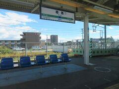 仙台駅を出て最初の停車駅は相馬駅。 10時50分着。ここまで54.3Kmをわずか37分。 単線区間も多い中でなかなかの俊足ぶり。 相馬と聞くと「急行そうま」を思い出してしまうのは国鉄ファン時代の名残りかな?