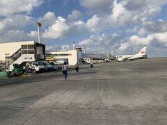 走行しているうちに、奄美空港へと着陸いたしました。ここでも、今までの遅れを少しでも短縮するべく、急いでおりました。なので、奄美空港の滞在時間も30分なかったと思います。