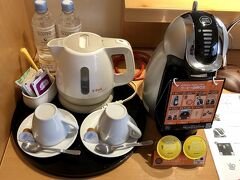 連日、食べ過ぎで、朝ごはんはパス!部屋に備え付けのコーヒーマシンでコーヒーを...  今日は、小樽に日帰りの予定。