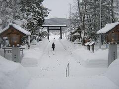 で、一応、明るくなった状態での和寒神社への初詣。 もう15日になっちゃいましたけど、小正月、ということで…(^^;)。