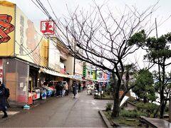 弥彦村から長岡市寺泊地区に入ります。寺泊魚の市場通り(魚のアメ横 https://niigata-kankou.or.jp/spot/5823   )