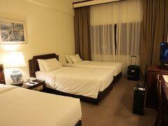 今回は初めて弾丸クルーズで前泊ホテルを予約。 滞在時間は短めなのでお値段と立地重視。 今までの弾丸クルーズでは空港のラウンジのシャワーを利用していたけど、たった数時間でもホテルで仮眠をとると疲れが抜けます。