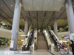 20分くらいで九龍駅到着。 ホテルまでは、エアポートエクスプレスのシャトルバスを利用します。